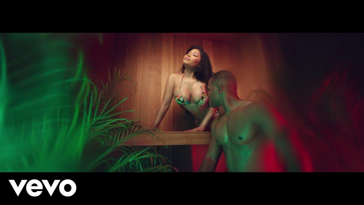 Nicki Minaj – MEGATRON Premiere